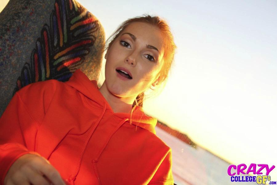 Cute Blonde Webcam Girl